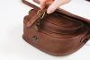 Malá lovecká kožená kabelka